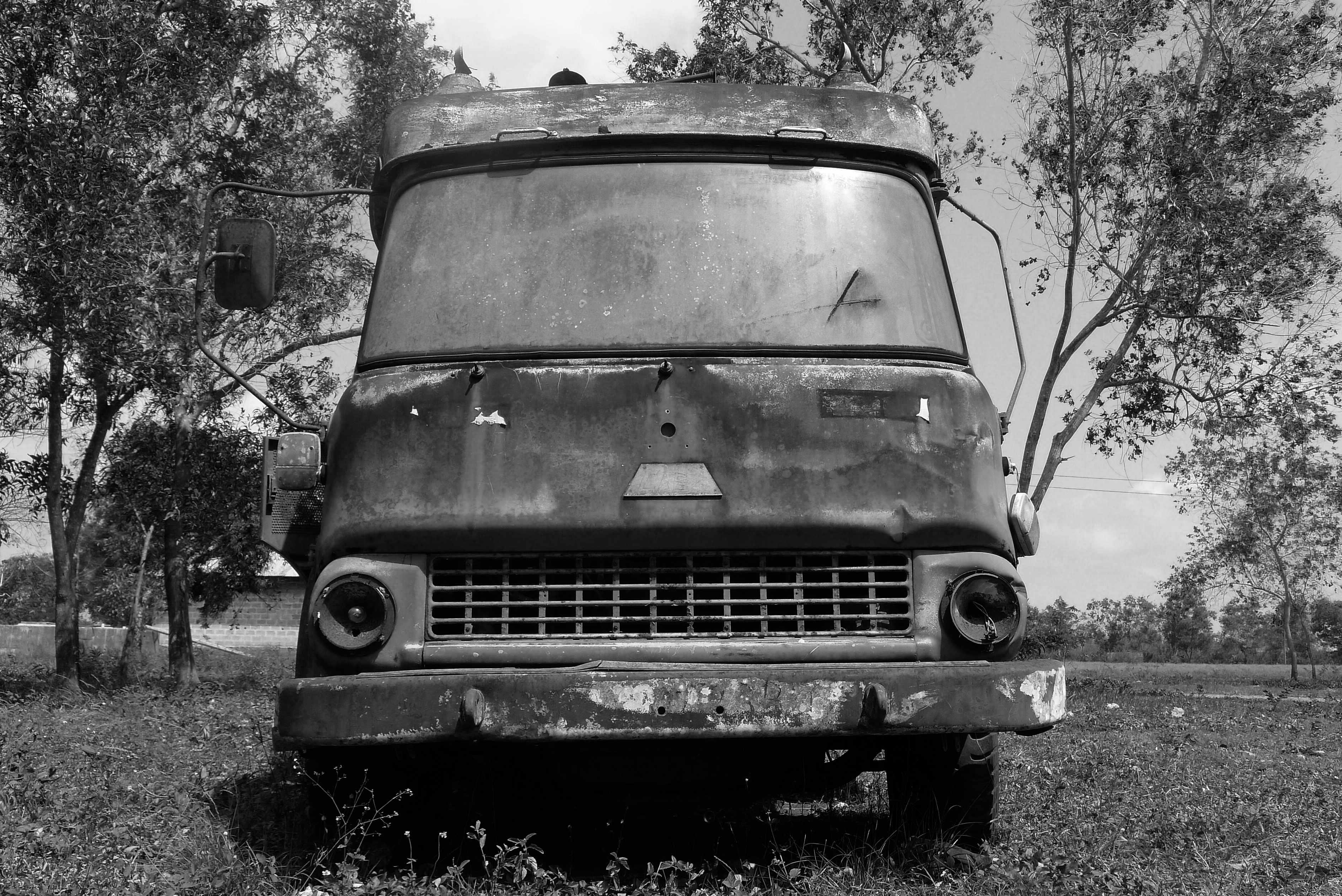 Abandoned fire vehicle, Kitogani Fire Station